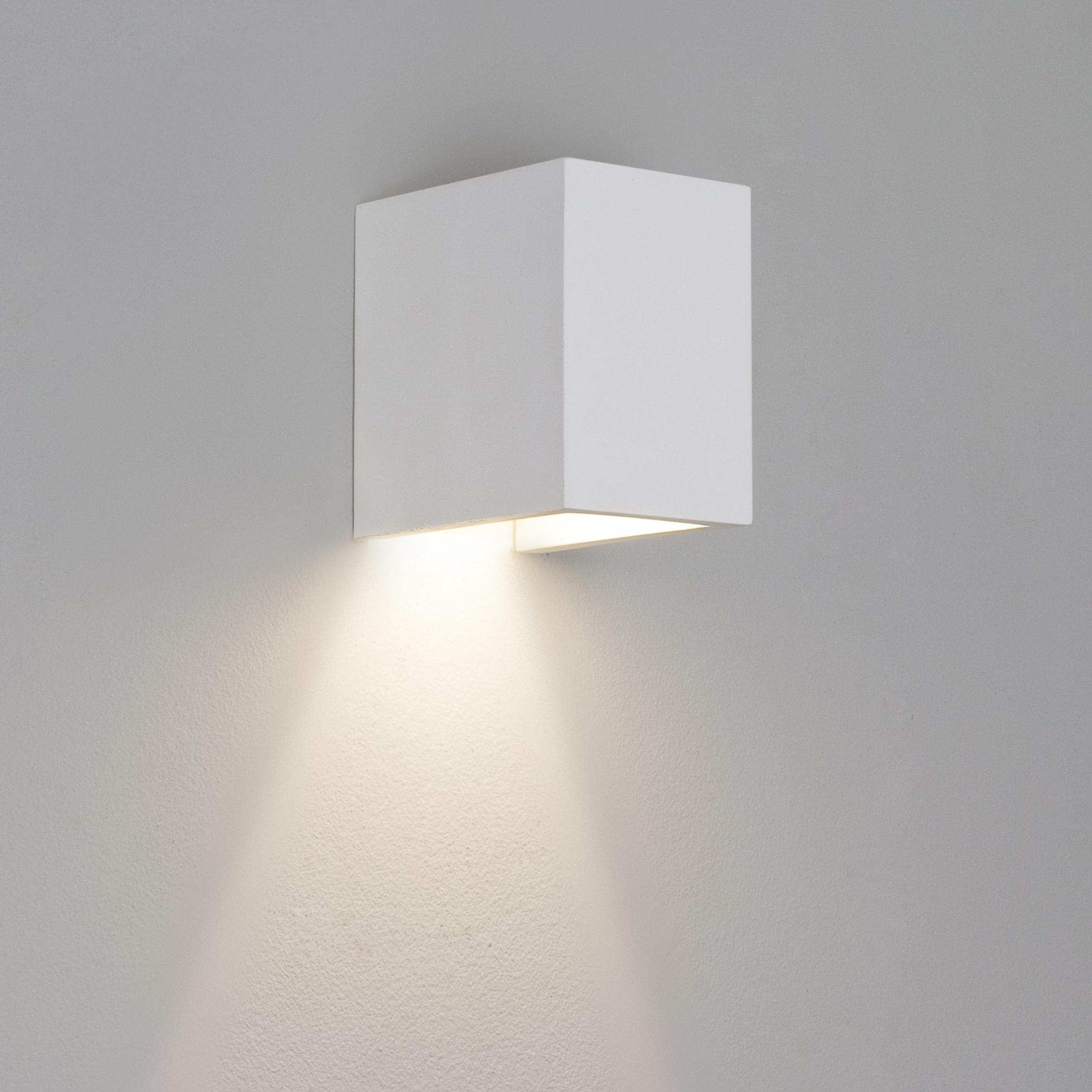 Astro 1187009 Parma 110 W/Lgt White