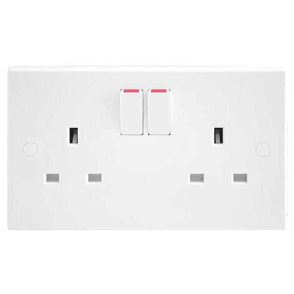 BG 922DP Socket Switched DP 2x13A
